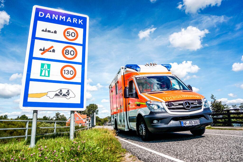 deutscher krankenwagen an grenze